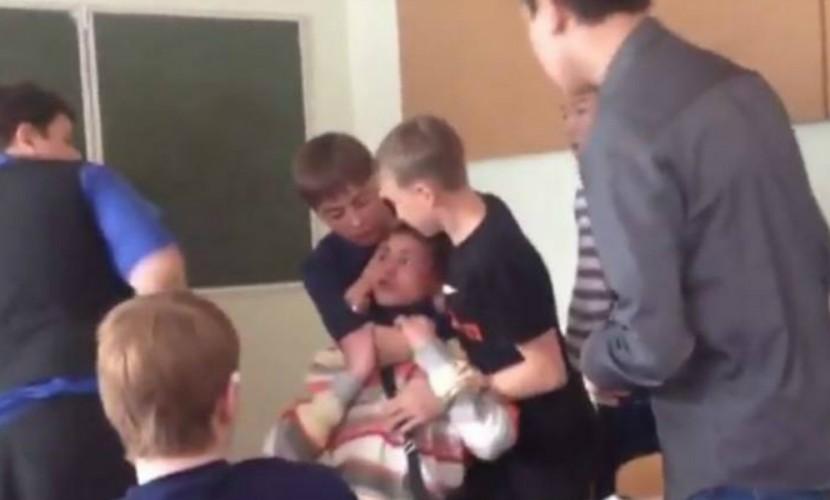 Студент колледжа в Якутии жестоко поплатился за попытку нападения на пожилого преподавателя