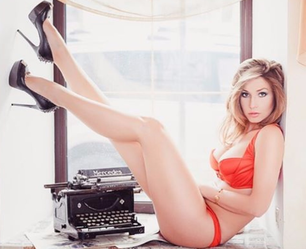 sexy girls naked wallpapers