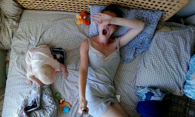 Фото новорожденных в соцсетях опасны для психики, считают педиатры
