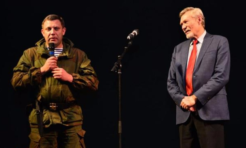 Александр Михайлов (справа) и глава Донецкой Народной Республики Александр Захарченко.