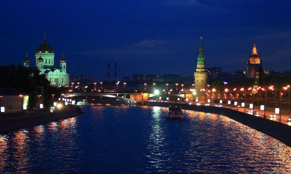 Трое бездомных угнали баржу и отправились на ней в сплав по Москве-реке