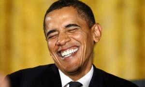 «Громкий, тупой и разрекламированный»: Барак Обама с выражением зачитал сообщения от хейтеров
