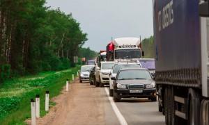 Любителей езды на автомобилях по обочине начали штрафовать в Московской области