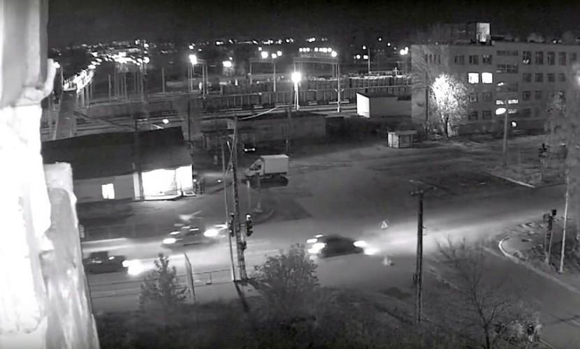 Автомобиль наполной скорости снес 2-х девушек на«зебре» вПетрозаводске