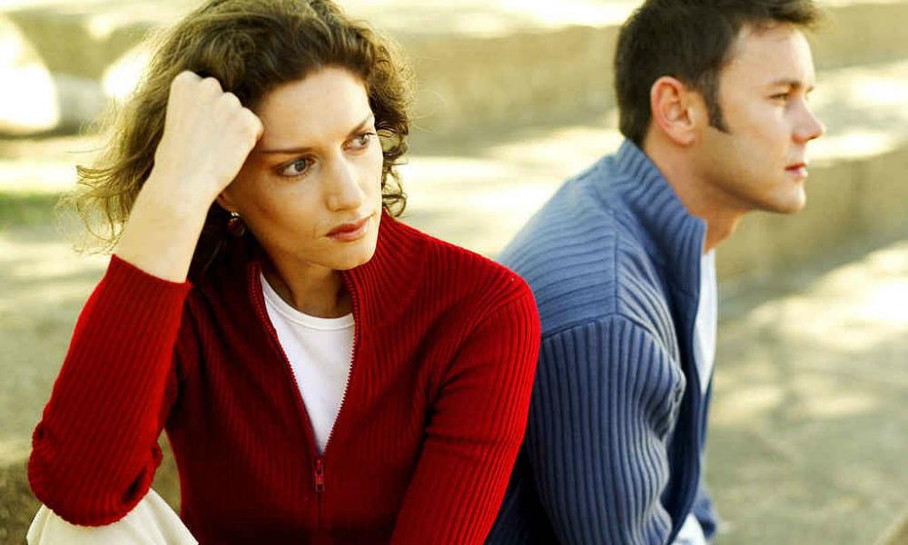 Ученые назвали четыре этапа гибели любви в паре