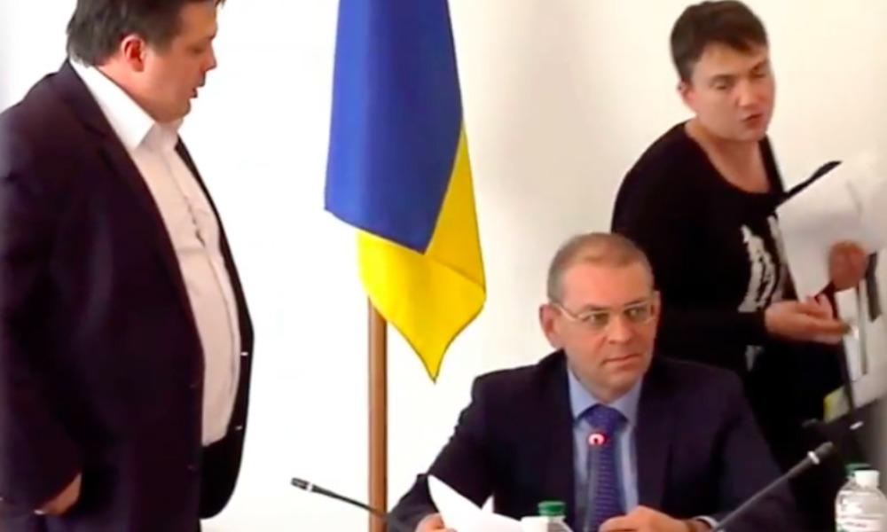После демарша Савченко в комитете Верховной рады ей решили закрыть доступ к государственной тайне