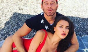 Горячие ласки знаменитого фотографа на пляже в Турции заставили полуобнаженную Ирину Шейк забыть Купера
