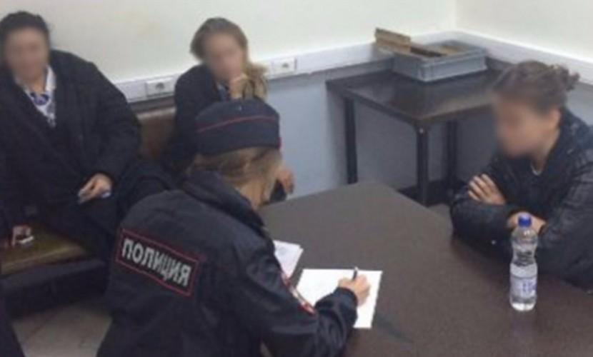 ВСочи смосковского рейса сняли 2-х нетрезвых дебоширок