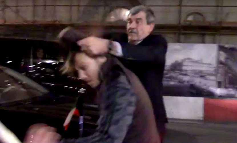 Активисты «СтопХама» бросили наасфальт водителя посольства Ливана
