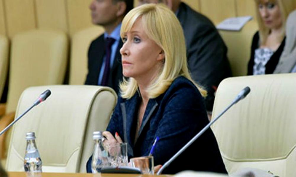 Телеведущая Оксана Пушкина стала автором первого скандала в Госдуме седьмого созыва