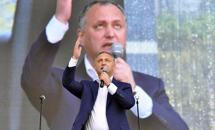 Победивший на выборах президента Молдавии Додон решил первым делом приехать в Москву