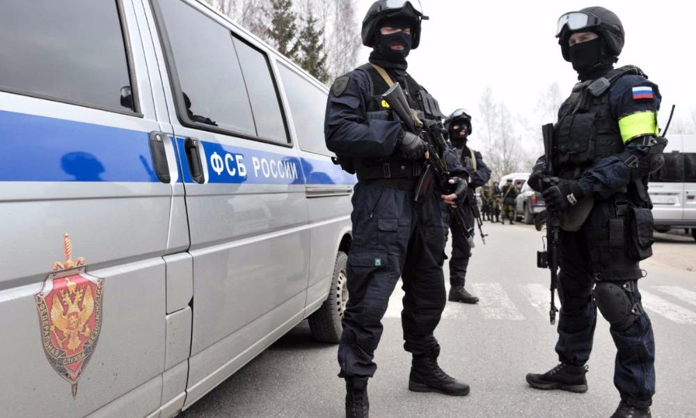 Сотрудники ФСБ России нейтрализовали группу вооруженных украинских диверсантов в Севастополе