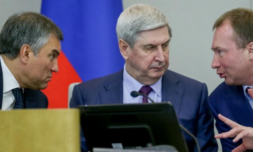 Депутаты Госдумы решили увеличить себе число помощников