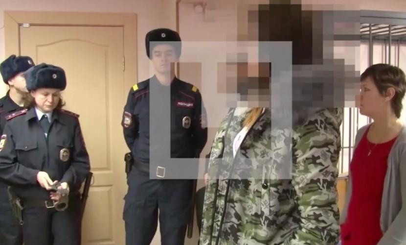Опубликовано видео ареста в зале суда хабаровских живодерок Алины и Алены