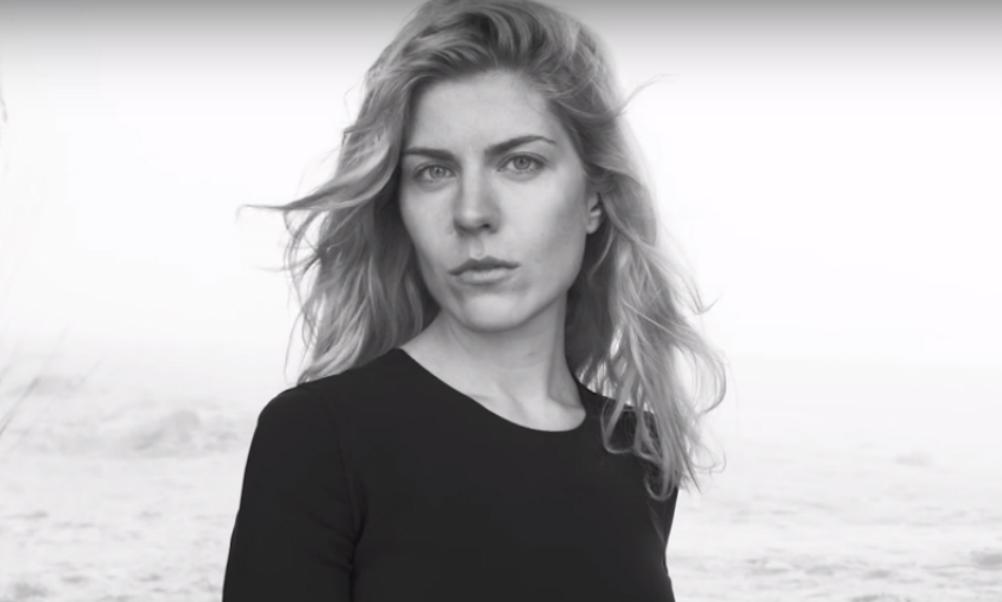 Падчерица главы «Ростеха» снялась для календаря Pirelli в компании голливудских див без макияжа и фотошопа