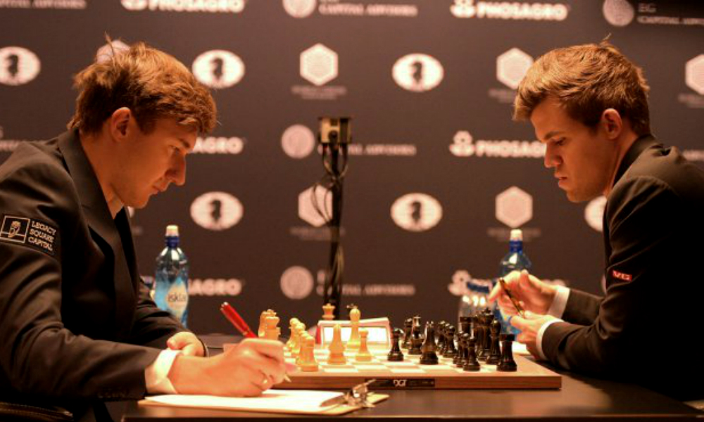 Карякин и Карлсен снова сыграли вничью – борьба за шахматную корону продолжается