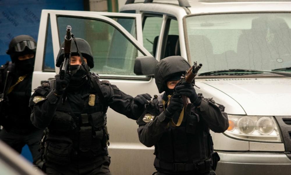 Четверых боевиков, открывших огонь по полицейским, ликвидировали в Дагестане