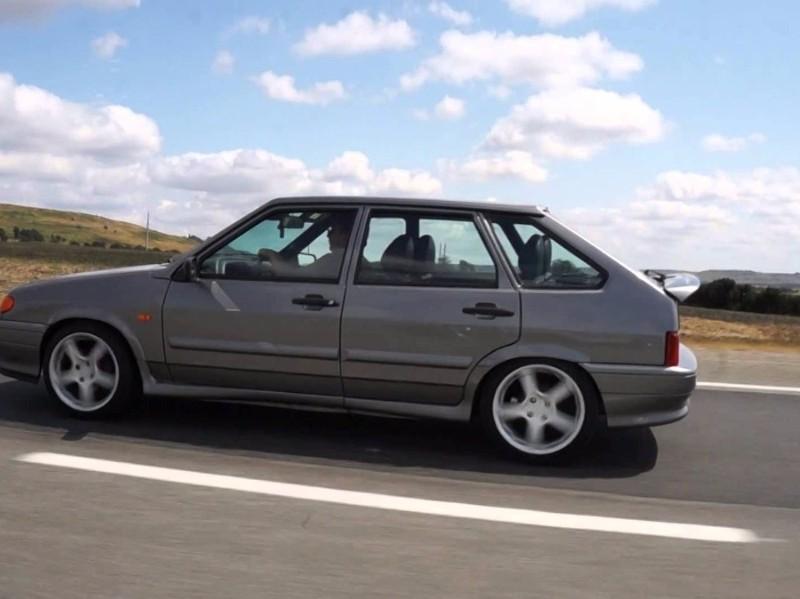 Конкуренцию подержанным автомобилям из семейства Lada в октябре составили только Ford и Toyota