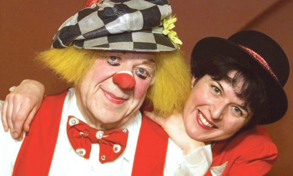 Олег Попов просил жену похоронить его в костюме клоуна
