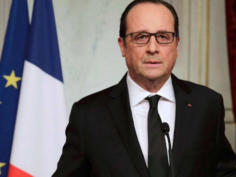 Французские депутаты потребовали импичмента Франсуа Олланду из-за слишком откровенной книги