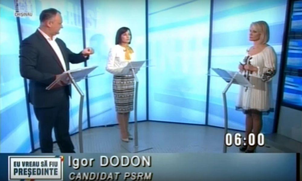 Додон публично пристыдил пришедшую на предвыборные теледебаты со шпаргалкой Санду