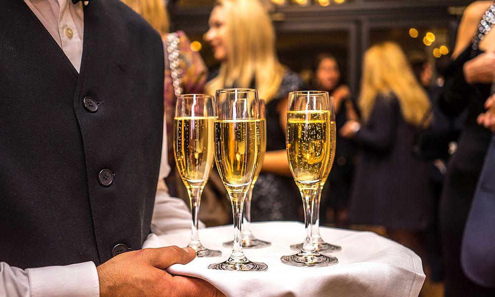С наступающим: в Госдуме ради защиты виноградарей решили повысить акцизы на шампанское