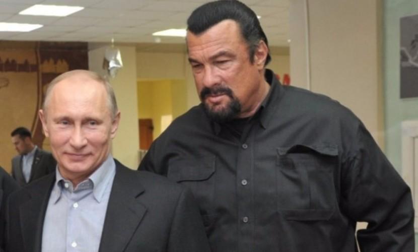 Герой американских боевиков Стивен Сигал получил от Владимира Путина гражданство РФ