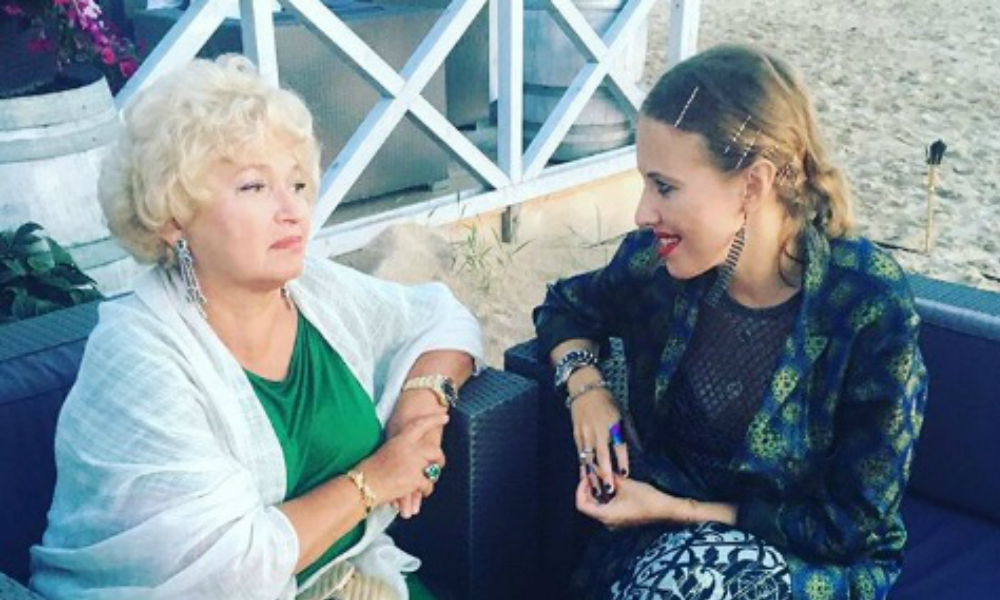 Мать Ксении Собчак рассказала о своем участии в родах дочери