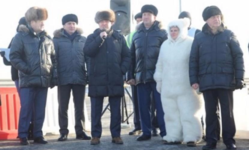 Депутат нарядилась для официального мероприятия в костюм белого медведя в Тюмени
