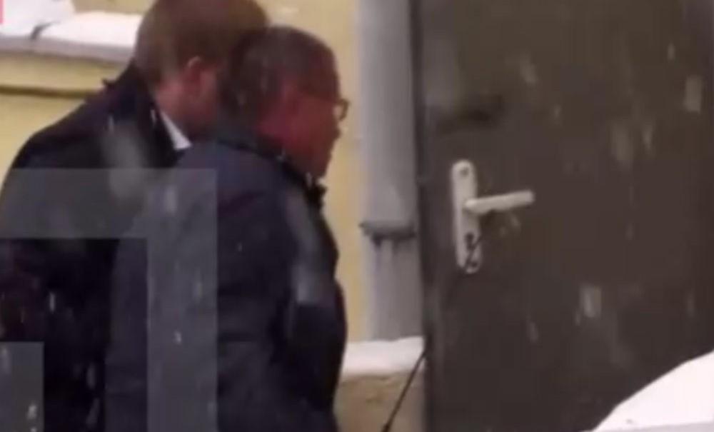 Приезд задержанного министра Алексея Улюкаева в Басманный суд сняли на видео