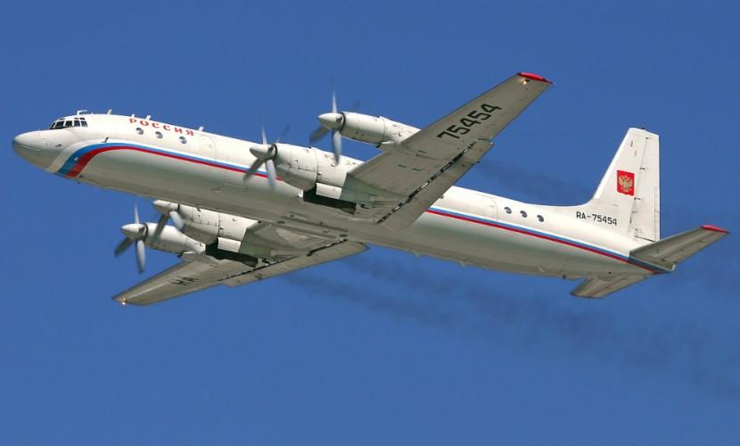 Власти Якутии назвали предварительной первопричиной жесткой посадки Ил-18 сильный боковой ветер