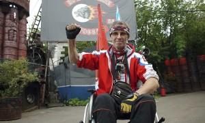 Инвалид изобрел коляску для дайвинга