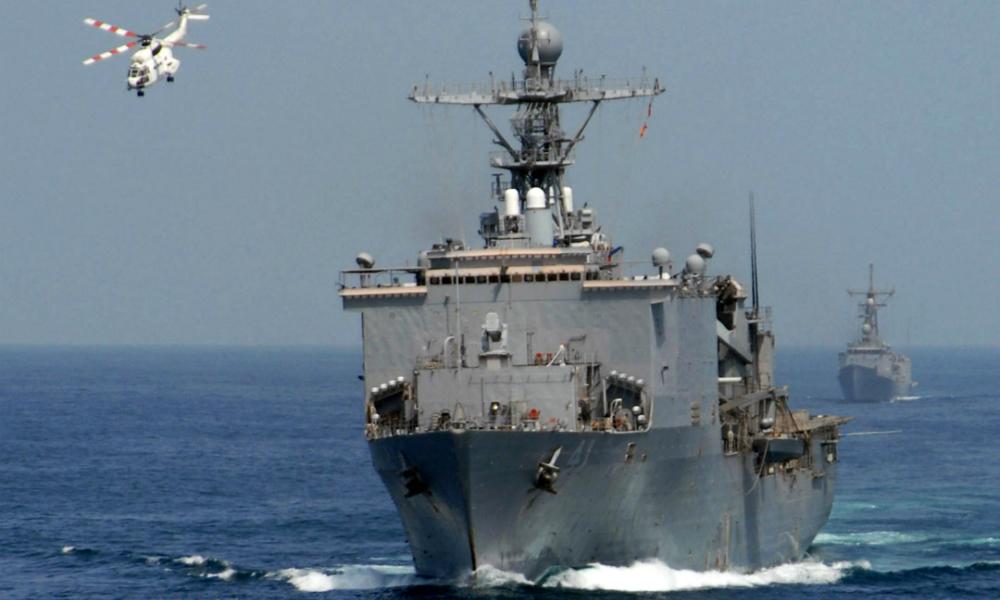 Два десантных корабля американского флота на три месяца вошли в Средиземное море