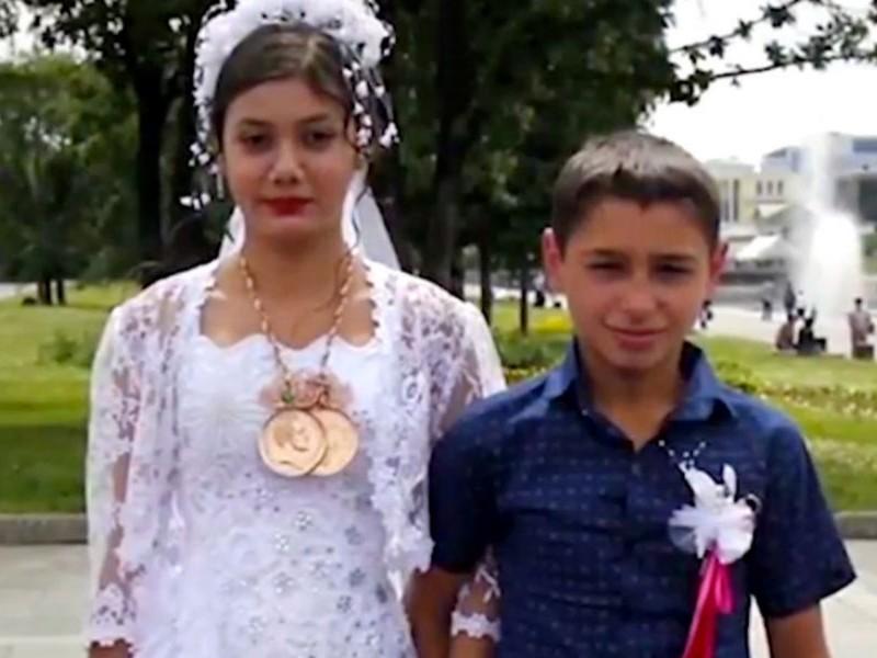 Беременная 12-летняя цыганка попросила детского омбудсмена Кузнецову вернуть ее к мужу