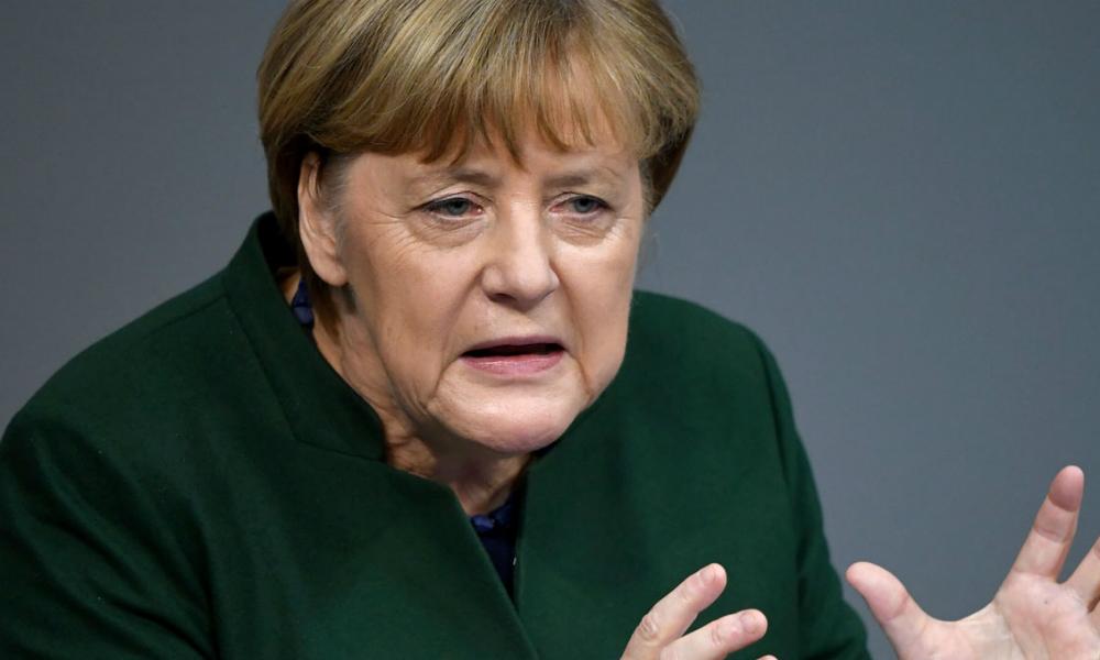 Ангела Меркель заявила о «политическом решении» продлить антироссийские санкции еще на полгода