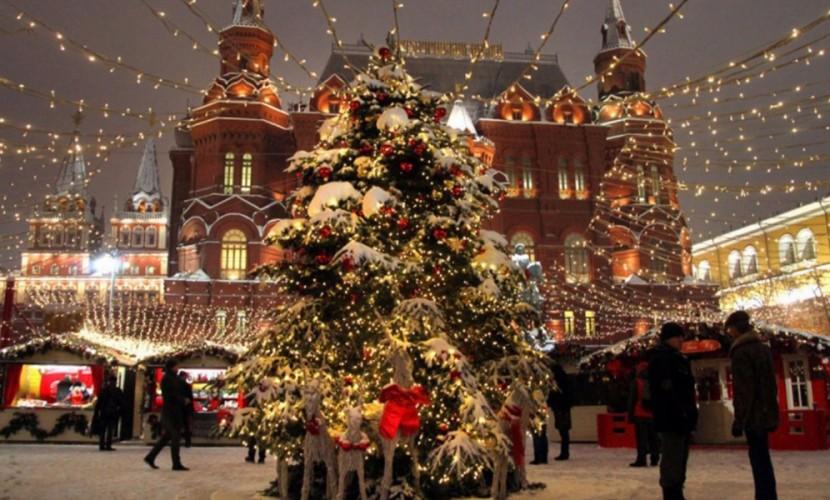 Продажу алкоголя запретили в местах массовых гуляний во время новогодних праздников в Москве