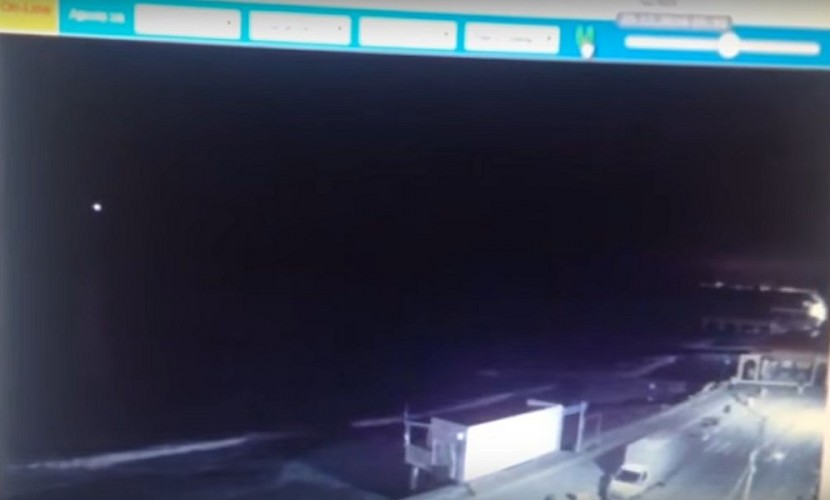 Всети интернет появилось видео вероятного взрыва русского Ту-154 над темным морем