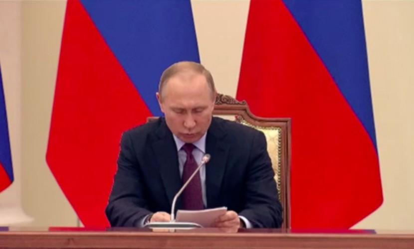 Путин ответил на просьбу Сокурова освободить осужденного украинского режиссера Сенцова