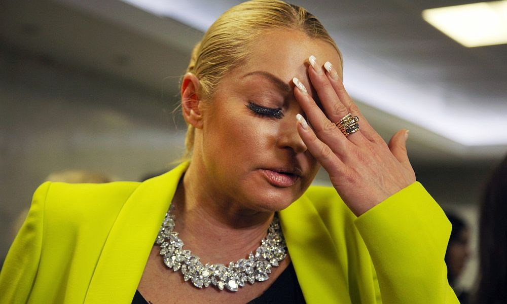 Волочкова возмутилась, что она в купальнике вызывает больше кривотолков, чем голая Тодоренко