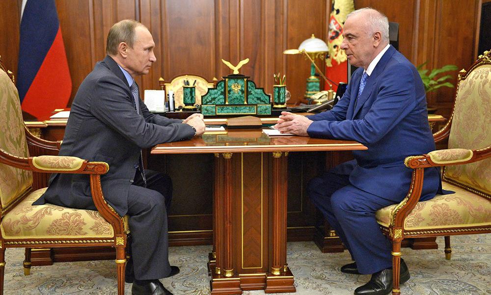 Путин сменил руководителя Республики Адыгея
