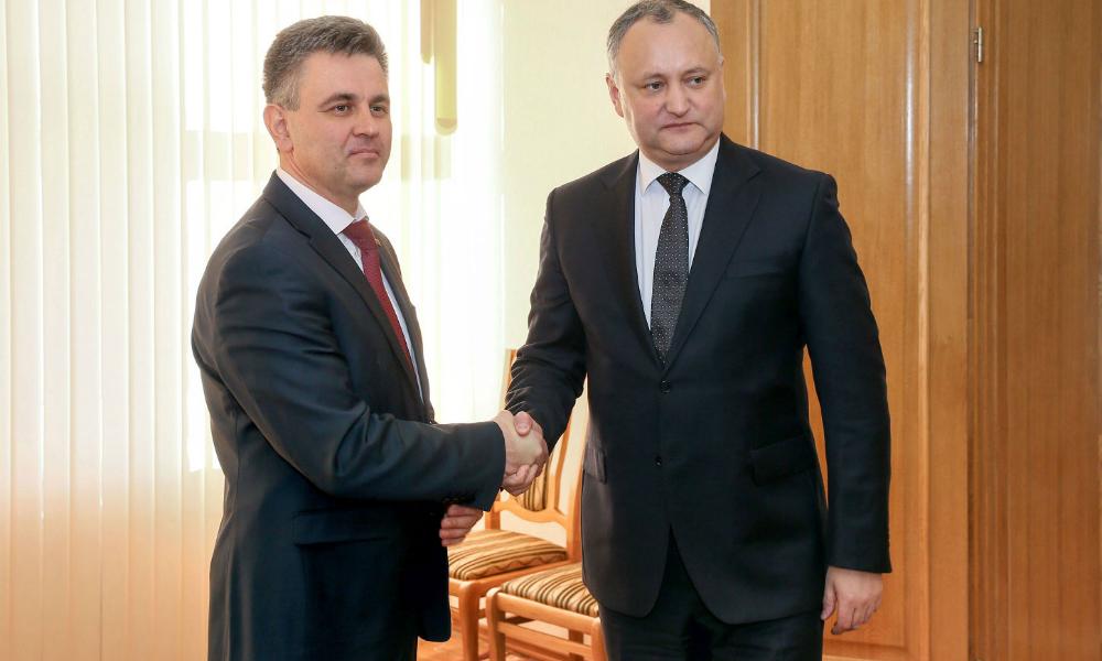 Молдавский лидер Додон провел историческую встречу с главой Приднестровья