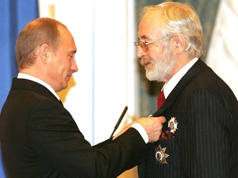 Президент России наградил орденами Маслякова, Ливанова и Захарову