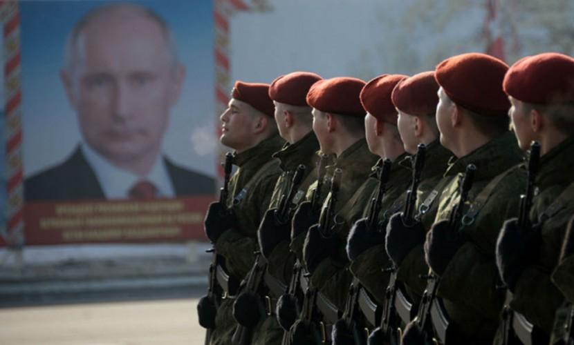 Путин поручил отмечать День войск Росгвардии 27марта