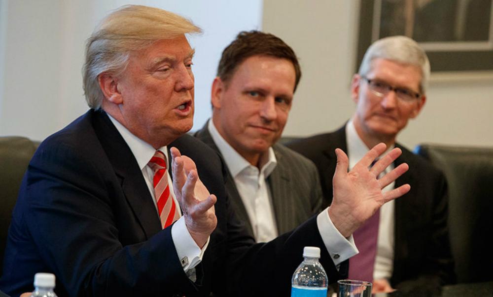 Руководители Apple и Uber пошли на конфликт с Трампом из-за указа о мигрантах