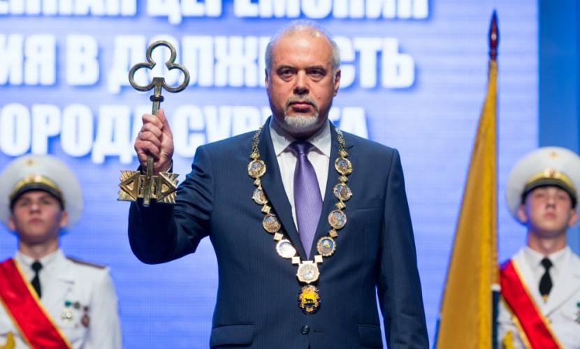 «Не г...но, а модерн», – мэр Сургута встал на защиту городского вокзала