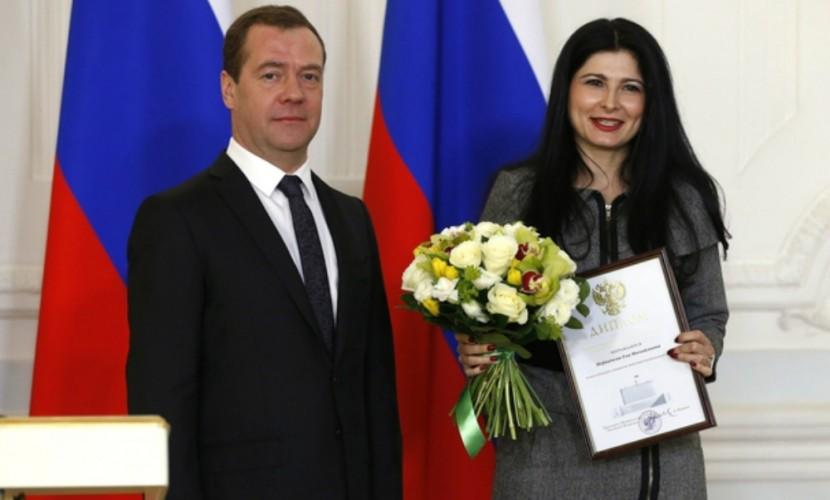 Медведев пожаловался на трудную жизнь иотсутствие денежных средств