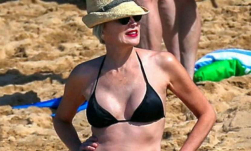58-летняя Шерон Стоун похвасталась идеальной фигурой вбикини