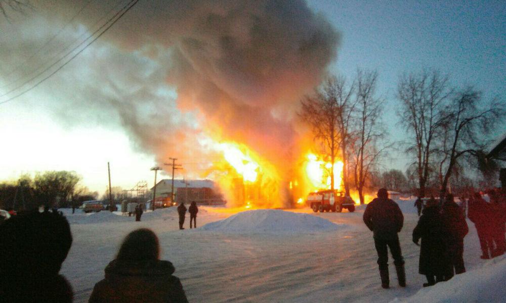 Школьники сожгли историческое здание вокзала под Тамбовом
