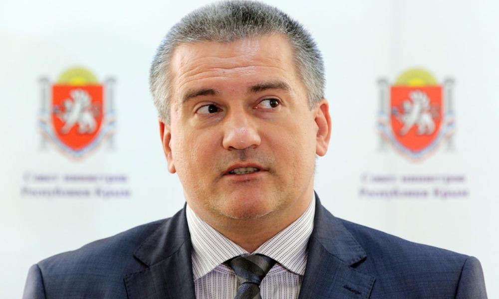 Люди Донбасса вынуждены биться за мир, спокойствие и благополучие с оружием в руках, - Аксенов