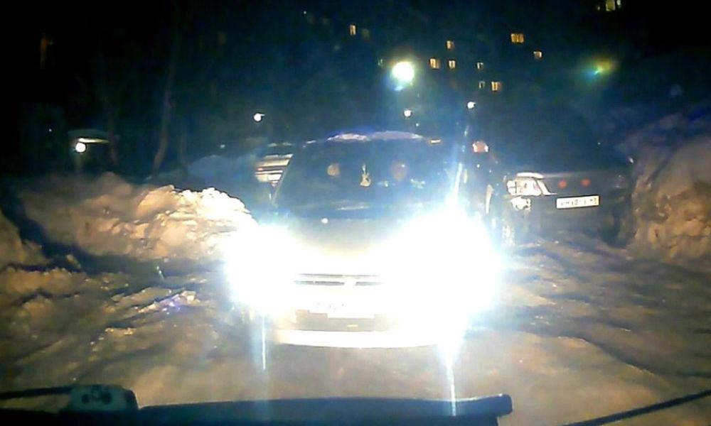 Машинам скорой помощи разрешат таранить автомобили